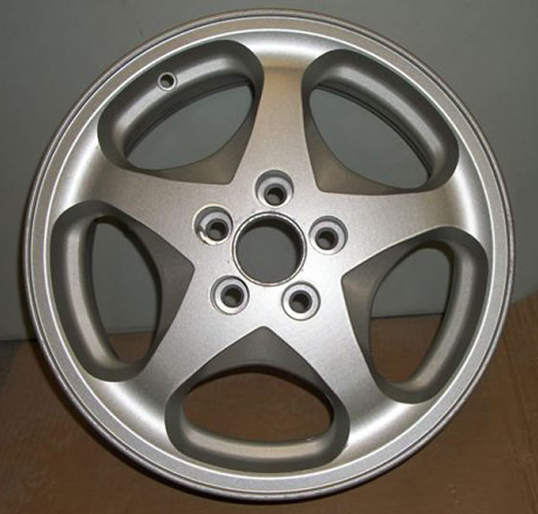 Metallic Silver Powder Coating on tire rim